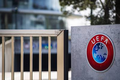 Eredivisie kan niet zomaar stoppen: UEFA dreigt met sancties