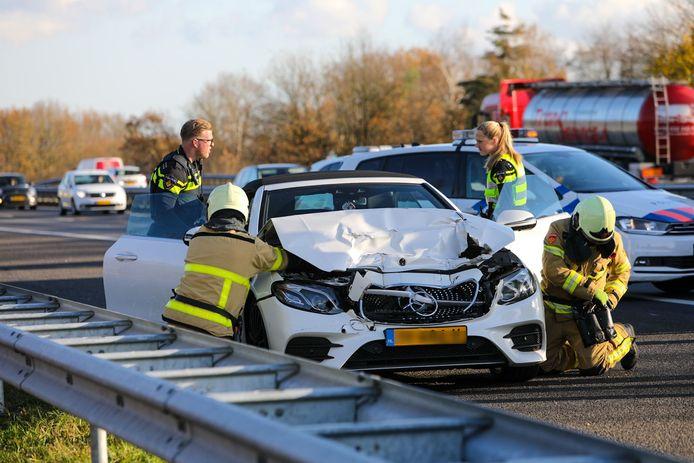 De personenauto raakte door het ongeluk total loss.