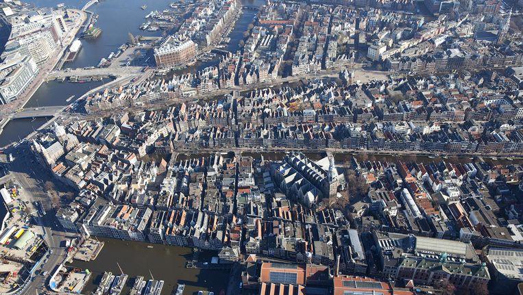 Het centrum van Amsterdam van bovenaf gezien Beeld anp