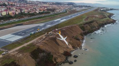Passagiersvliegtuig glijdt bijna in zee op luchthaven Trabzon