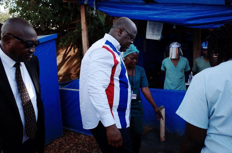 De Congolese president Felix Tshisekedi komt toe in een behandelingscentrum voor ebola in Beni.