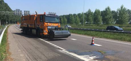 Oliespoor sluit verbindingsweg N11 en A12 bij Bodegraven af