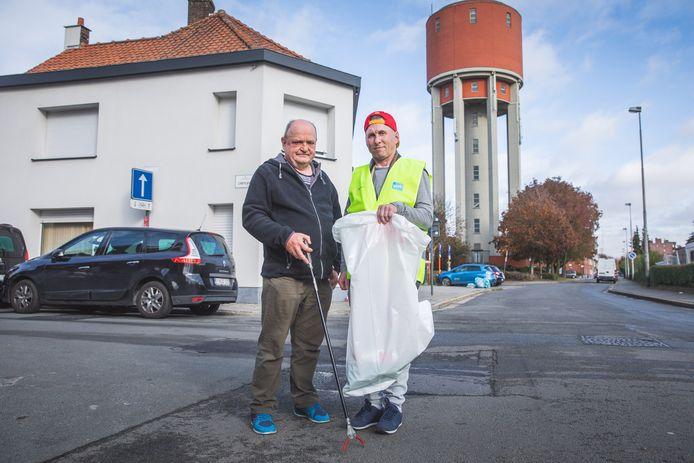 """Dirk Van Lommel en Eddy Provoost maken al twintig jaar deel uit van de Gentse veegploeg: """"Ja, we kunnen een boek schrijven""""."""