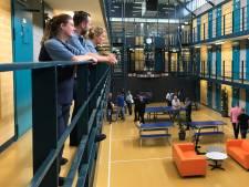 Solliciteren in de gevangenis van Nieuwegein: 'De muren komen wel op me af'