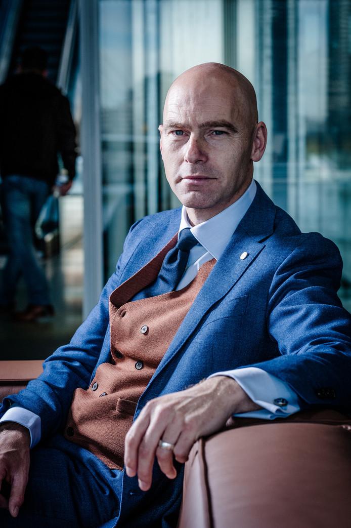 Patrick Verkooijen in het nieuwe Klimaatadaptatie- centrum in Rotterdam.
