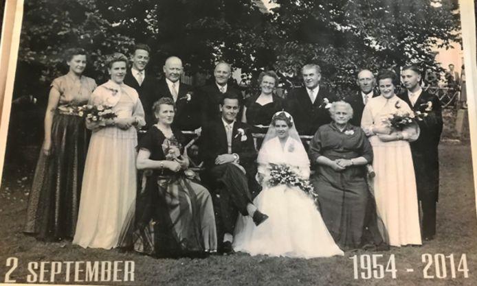 De bruiloft op 2 september 1954 van Koos en Peter Molthoff