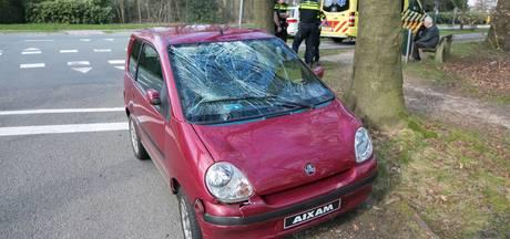 Fietser gewond bij botsing met brommobiel in Oosterbeek