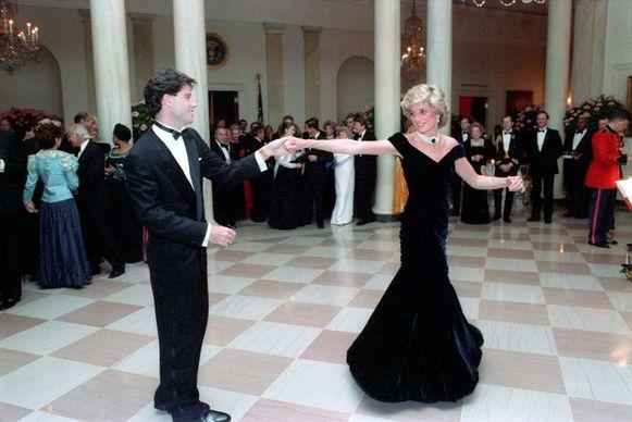 John Travolta en prinses Diana tijdens het galadiner in het Witte Huis in 1985.