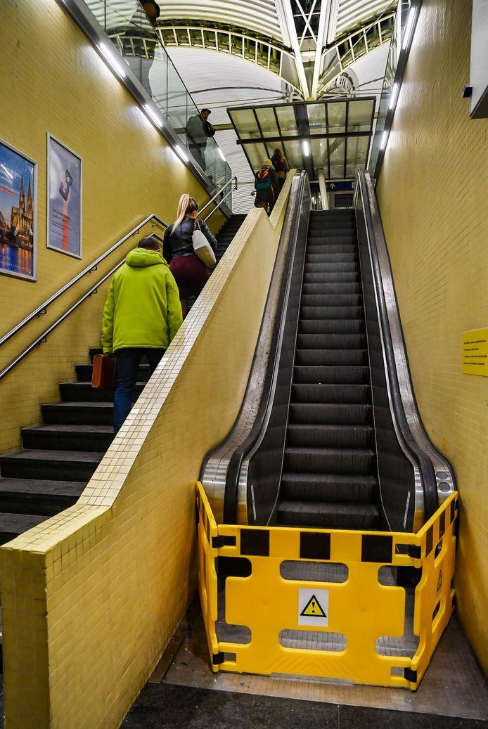Ook in Leuven is het stappen geblazen naast een aanlokkelijke maar defecte roltrap.