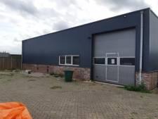 Gemeente Twenterand sluit deel bedrijfspand na vondst 446 hennepplanten