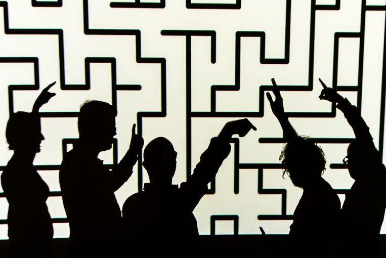 Videokunstenaar Alexander Stragier maakte dit beeld van de bandleden van Waar is Ken?
