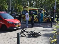 Fietser zwaargewond na aanrijding bij Juliana van Stolberglaan