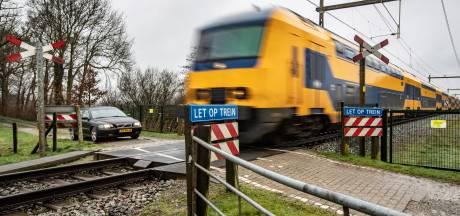 Spoorwegovergang Oude Allee in Olst blijft behouden, maar wordt wel voor bijna 2 ton beveiligd