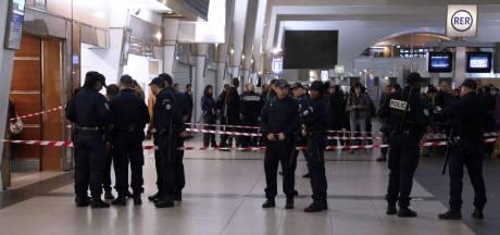 Militaire attaqué à Paris: un islamiste radical arrêté