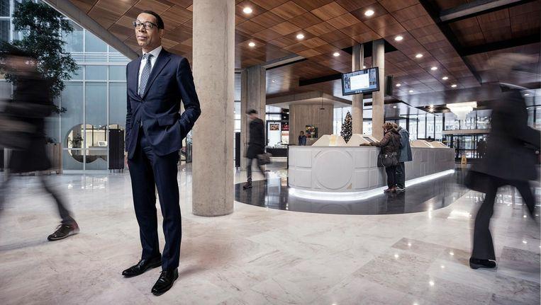 Franc Weerwind: 'We schieten door met het inhakken op personen en vergeten daarbij de fatsoensnormen' Beeld Martin Dijkstra