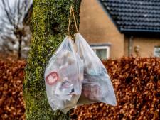 Feestje om komst van afvalbakken