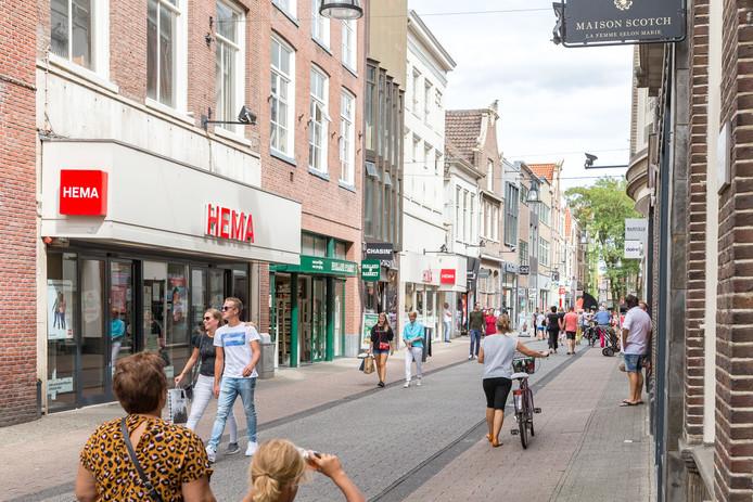 In Zwolle is de koopzondag eerder deze maand volledig overgelaten aan de ondernemers, nadat vier jaar lang het aantal koopzondagen door de gemeente was beperkt.
