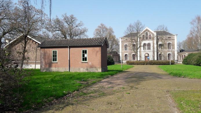 Het voormalig Militair Hospitaal staat in de belangstelling van meerdere gegadigden.
