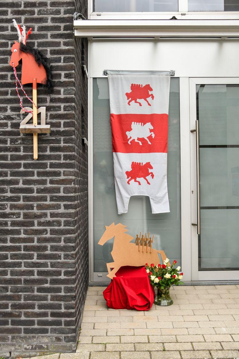 Bij Reinout in de Oude Molenstraat is heel wat decoratie aangebracht.