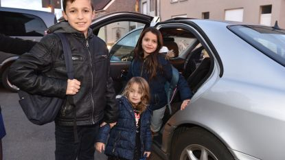 Kinderen van uitgewezen Albanese familie kunnen dankzij ex-buren toch naar school blijven gaan