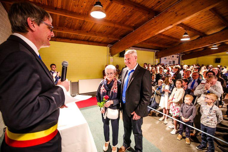 Monique Delrue en Urbain Scharmin zijn al 50 jaar getrouw, Monique vierde in dezelfde week ook haar 70ste verjaardag