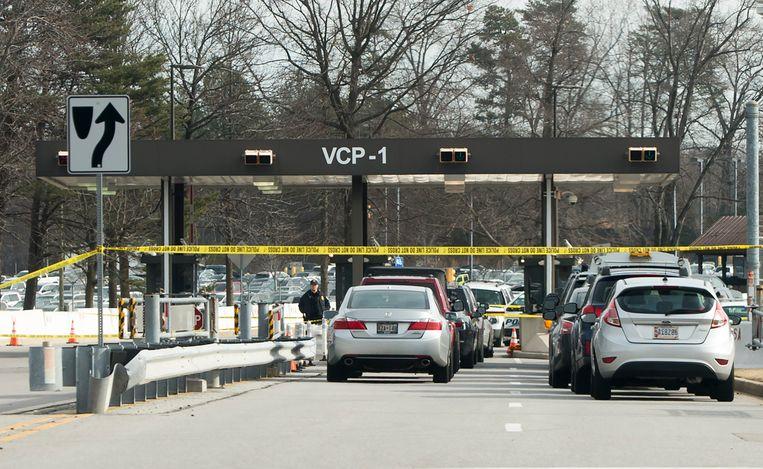 Een van de  ingangen van het NSA-complex in Fort Meade is afgesloten met politielint.
