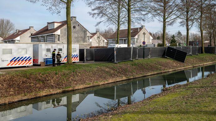 De politie doet onderzoek na de dodelijke schietpartij in Schijndel, waarbij Daan Hoefs om het leven kwam.