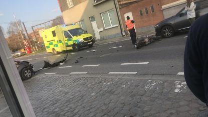Jonge motorrijder zwaargewond na aanrijding op Provinciesteenweg