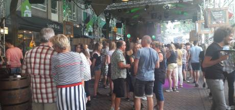 Feest in hele Augustijnenstraat door uitbreiding Café Van Ouds