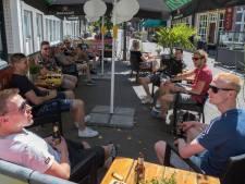 Eerste 'terrasdag' in Salland een succes: 'Op geen moment was het te druk'