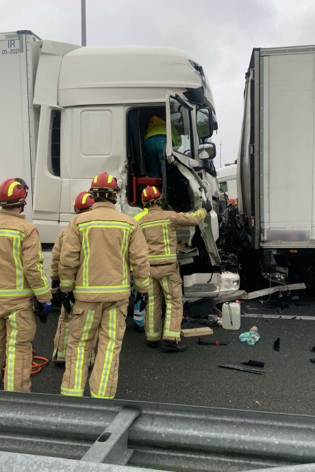 Dodelijk ongeval op A2: aangehouden vrachtwagenchauffeur veroorzaakte mogelijk eerder al ongeluk