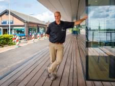 Na een halve eeuw neemt Hans afscheid van zijn Kinderdijkse souvenirshop
