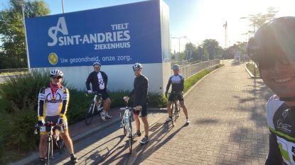 Vier collega's van AZ Groeninge fietsen Ronde van West-Vlaamse ziekenhuizen als dank voor de zorg