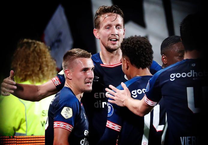 Luuk de Jong krijgt de 0-2 van PSV voorlopig niet op zijn naam.
