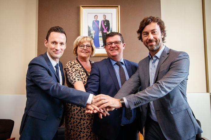 Björn Anseeuw, Bart Tommelein en Wouter De Vriendt mogen de komende jaren opnieuw naar Brussel. Anseeuw en De Vriendt zullen elkaar terugzien in de kamer, Bart Tommelein blijft in het Vlaams Parlement