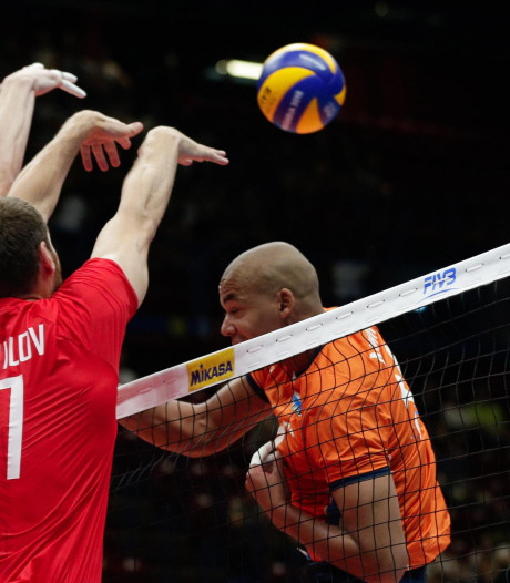 Nederlandse volleyballers in drie sets ten onder tegen Rusland