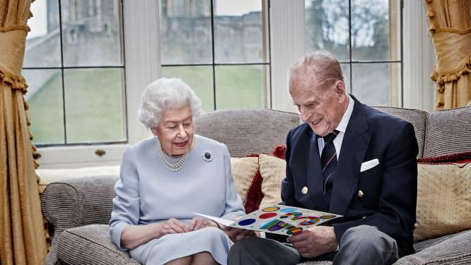 """Ook de Queen viert kerst zonder haar kinderen en kleinkinderen: """"Ze weet hoe belangrijk dat is"""""""