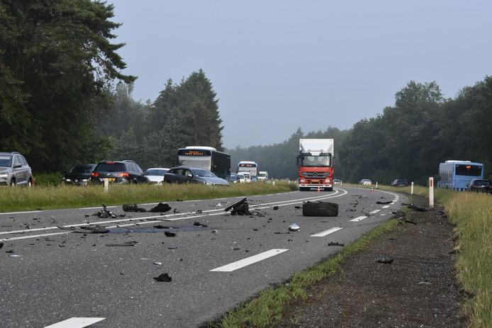 Op de N340 in Dalfsen vond woensdag 30 mei een aanrijding tussen twee personenauto's plaats. Bij de aanrijding is één persoon gewond geraakt. De weg was urenlang in beide richtingen afgesloten vanwege het onderzoek en de berging van de voertuigen.