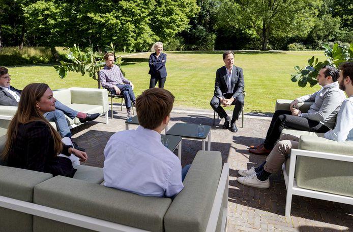 Rutte ging al eerder met jongeren in gesprek om te praten over de aanpak van de coronacrisis