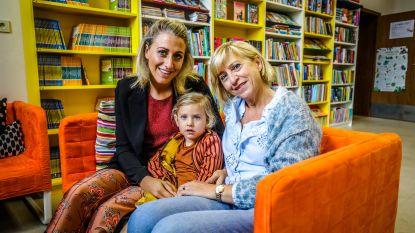 """Oma (57), mama (31) én dochtertje (3) zitten samen in één klas: """"Ja, we willen dat Moon ons gewoon 'juf' noemt"""""""