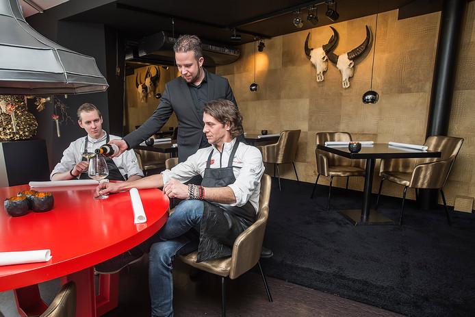 Pix4Profs-Ron Magielse-oosterhout restaurant by pascal. vlnr : paul ruiten (chef de partie), martijn struijk (sommelier) en eigenaar pascal ariens