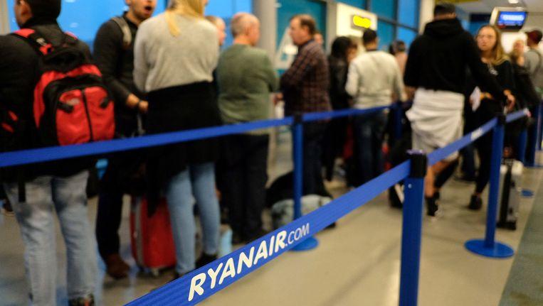 Onder meer op de luchthaven van Stansted, Londen, werden tal van vluchten naar Europese bestemmingen geschrapt. Ook Brussels South Airport (Charleroi) was bij de grootste slachtoffers.