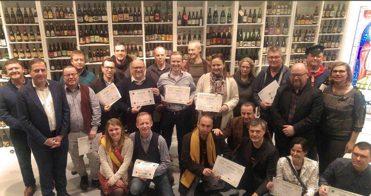 Heel wat brouwers mochten het certificaat van het kwaliteitslabel 'Belgische hop' in ontvangst nemen.