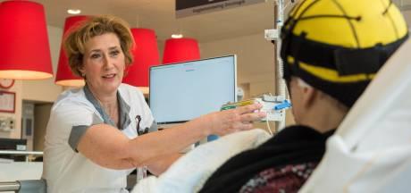 Patiënten blijven weg door 'coronacomplex'; 'Alarmerende klachten? Ga naar het ziekenhuis'