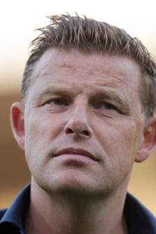 PEC Zwolle-trainer John Stegeman ramt naast lantaarnpaal ook zijn geloofwaardigheid omver
