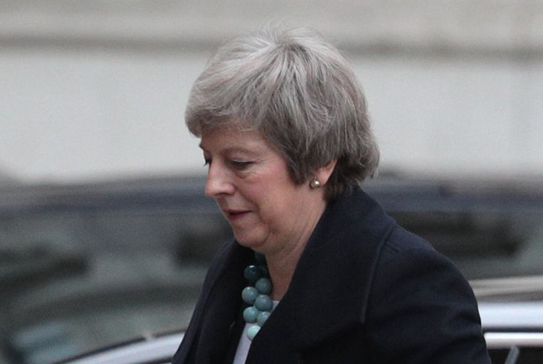 Premier May keert terug naar 10 Downing Street voor nader overleg. Beeld Getty Images