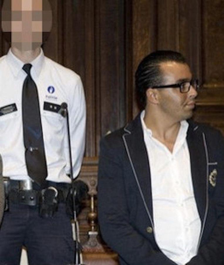 Ghalid S., die gezocht wordt maar niet thuis was tijdens de huiszoeking, stond in 2005 al eens voor de assisenjury.