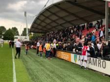 Ajax - Feyenoord onder 19 gestaakt nadat 'familieleden spelers worden belaagd'