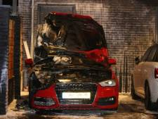 Auto onder carport door brand verwoest in Schijndel