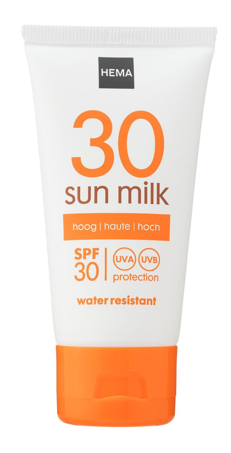 Huid+handbagage:  HEMA Sun Milk SPF 30, 50 ml, € 2,50 Beeld